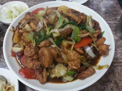 当地の名物料理「安東チムタク」20140402 (1) (400x300)