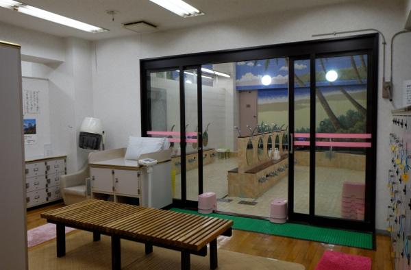 脱衣所女湯_DSCF2830 (600x394)