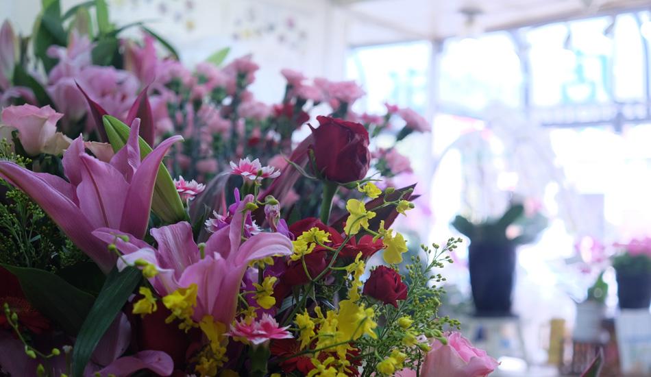 ※加納生花店は、店舗建替え中のため、2020年6月まで下記の仮店舗で営業中です。 江東区新大橋2-8-7 「うちの花屋は、オトコ仕事!」 森下駅から徒歩4分にあ…