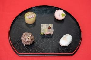 キリヌキ_生菓子1 (300x200)