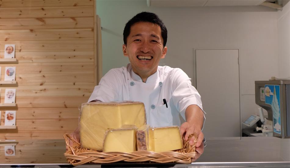 950チーズのこえ店主